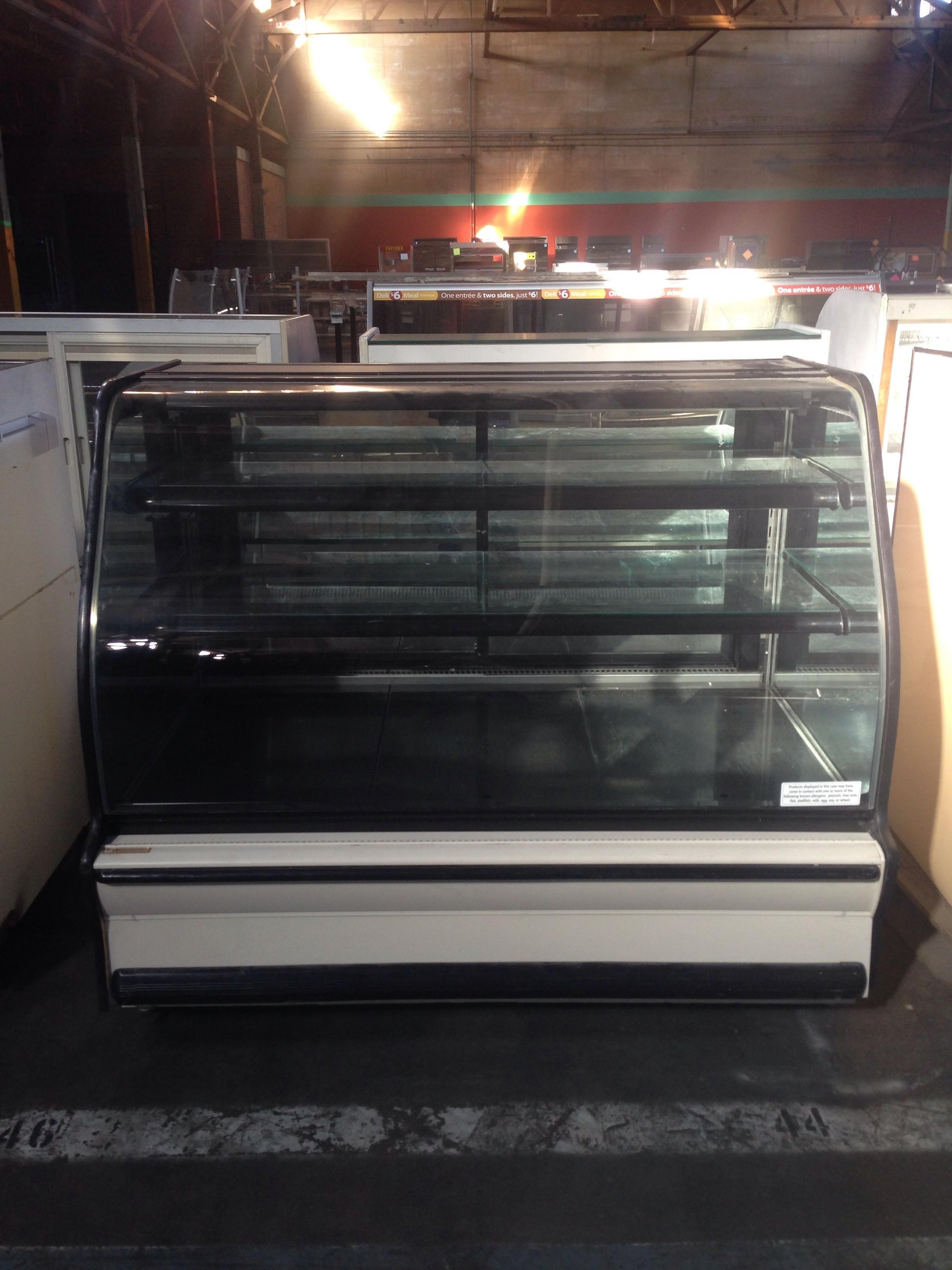 Dry Columbus Bakery Display Case